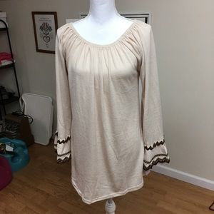 WinWin double lace sleeve tunic size S/M